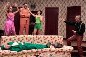 Karanlık İşler Tiyatro Oyunu Hakkında