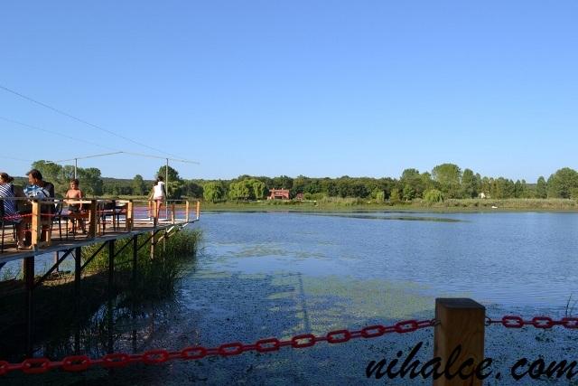Ormanlı Köyü Göl de Balık Restorantı Manzarası