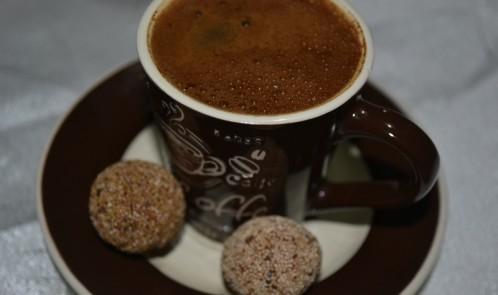 Mevlevi Tatlısı Eşliğinde Türk Kahvesi