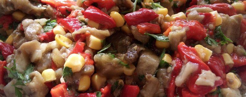 Közlenmiş Kırmızı Biberli Patlıcan Salatası Tarifi
